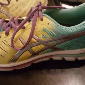 Asics 33 women's shoes